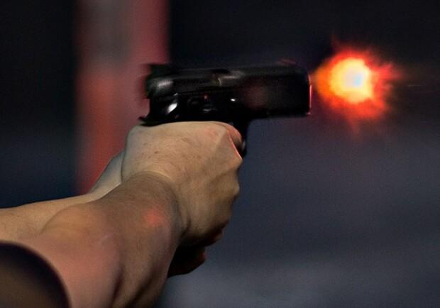 Открыли стрельбу: на Набережной мужчины напали на охранников - Запорожье  Vgorode.ua