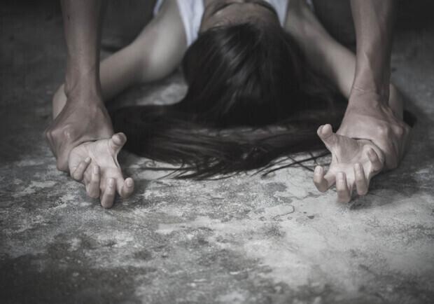 Порно Видео Онлайн Изнасиловал Девочку