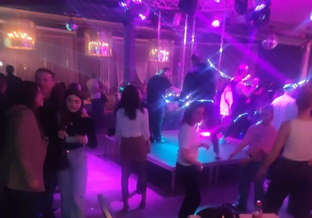 Ночной клуб смотреть онлайн бесплатно и без регистрации москва ночные клубы официант
