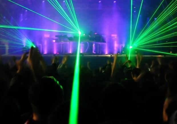 Ночной клуб в малиновке до какого возраста можно ходить в ночные клубы