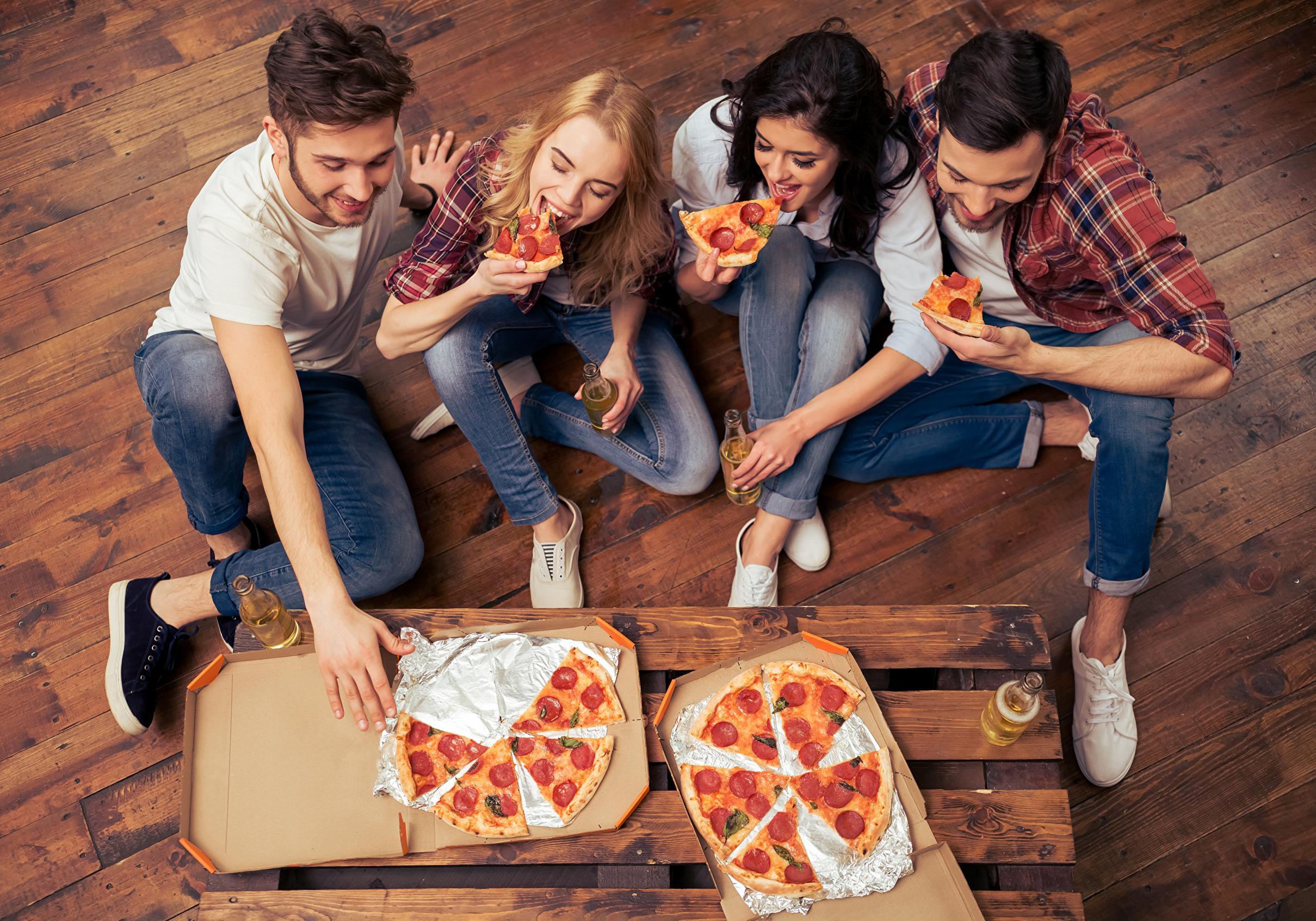 Где в заказать пиццу